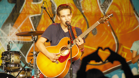 Jacob Whitesides rocks Nashville