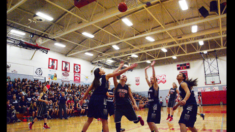 Halls routs Farragut and claims league title