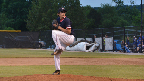 Farragut blows past Hurricanes 13-0 to reach state tourney