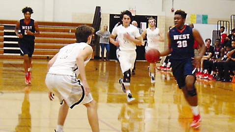 Webb overcomes tough start to pound Rebels 61-38