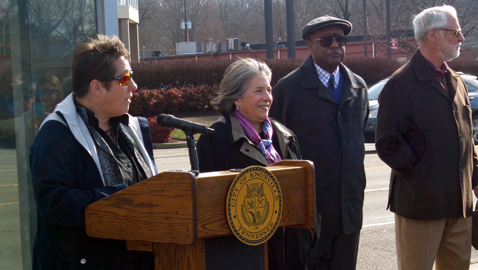 Rogero announces grant to improve North Broadway traffic flow