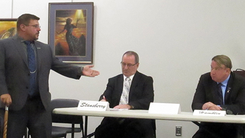 Most congressional candidates attend Burlington forum