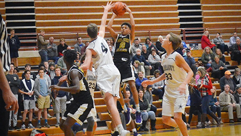 Golden Bears hold off Farragut to stay perfect in MS hoops