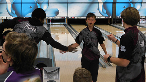 Bulldog bowlers reach sectionals, shoot for first state