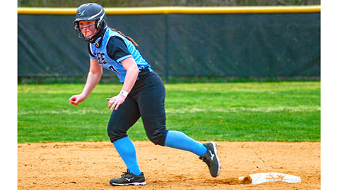 Gibbs softball starts with easy district win